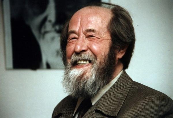 Супруга Александра Солженицына подарила кисловодской горбиблиотеке собрания сочинений своего мужа