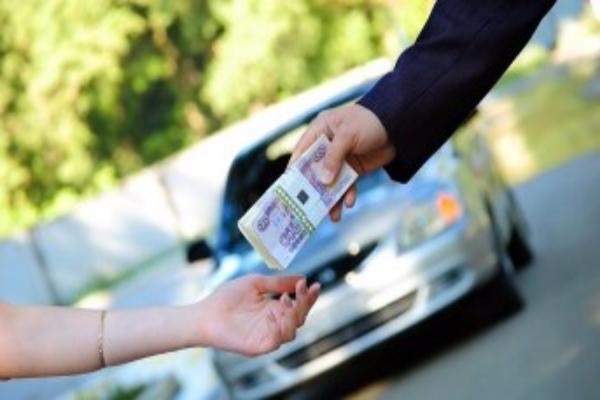 Продавец автомобиля похитил у клиента полмиллиона руб. наСтаврополье