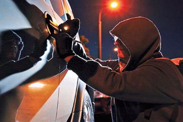 Рабочий СТО попал вДТП наугнанной машине вПятигорске