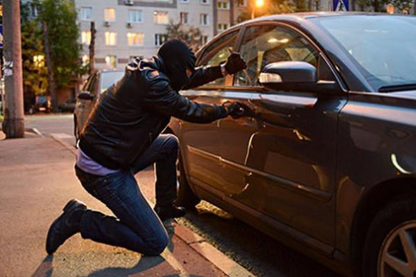 Схвачен нетрезвый работник автомойки, угнавший автомобиль наСтаврополье