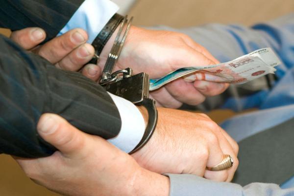 2-х судебных приставов Ставрополья осудят завзятку в50 тыс. руб.