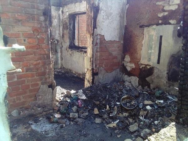 Жуткий пожар лишил крыши над головой большую семью на Ставрополье