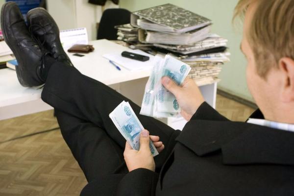 НаСтаврополье начальнику МФЦ довелось вернуть вбюджет края свою премию