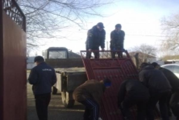 В 127 тысяч рублей оценили ворота должника судебные приставы Ставрополья