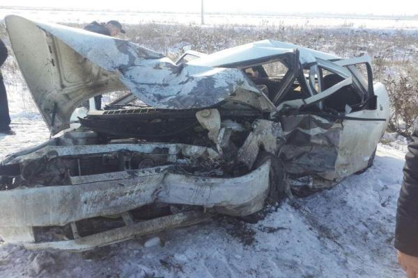 Двое пострадали иодин человек умер встрашном лобовом столкновении наСтаврополье