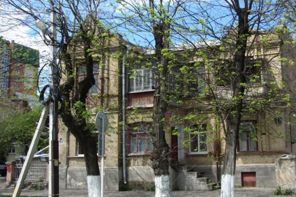 Администрация выселяет жильцов дома в историческом центре Ессентуков