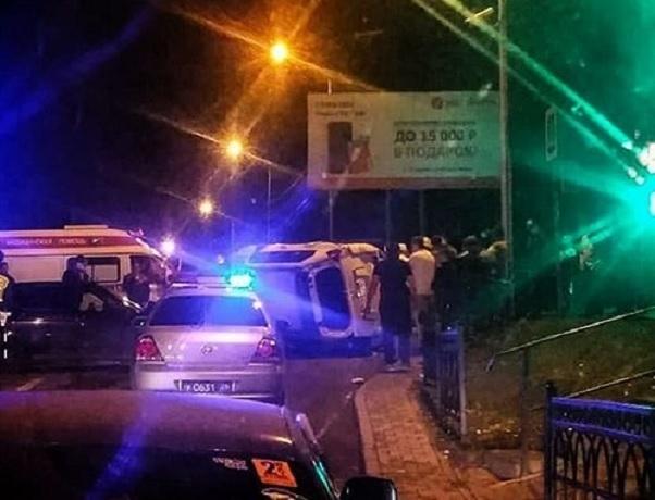 Тройное ДТП с перевернутым «Лэнд-Крузером» произошло у Лермонтовских ворот в Пятигорске
