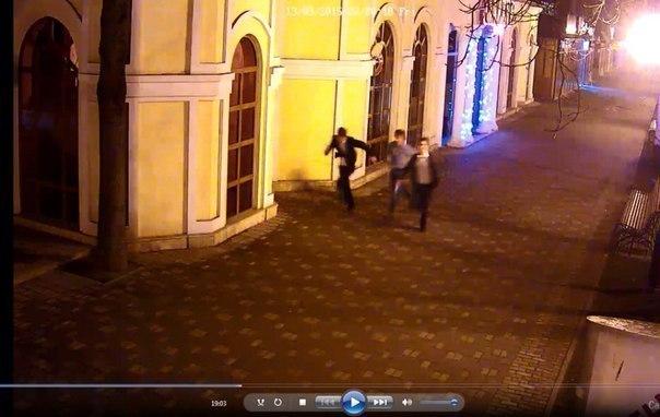 В Пятигорске компания из семерых парней убежала из кафе, не расплатившись