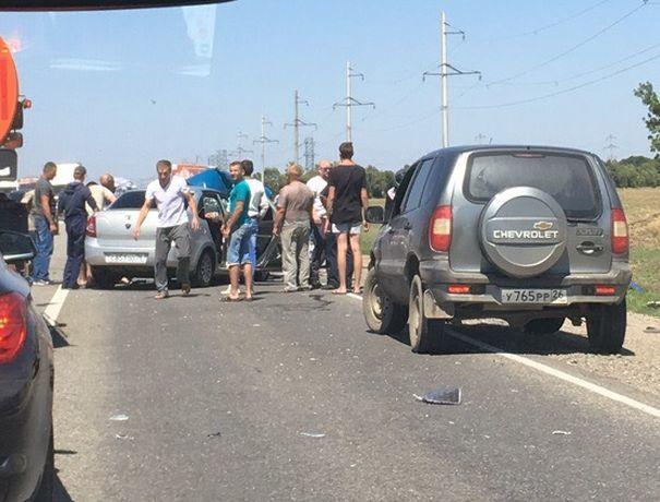Смертельное столкновение «Лады» и «Рено» произошло на выезде из Ставрополя