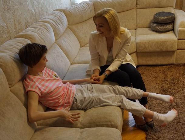 Тимофеева купила для ставропольского ребенка с ограниченными возможностями кресло за свои деньги