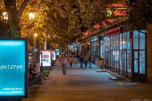 Загаженности красавца-Пятигорска возмутился блогер Илья Варламов