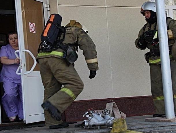 60 человек спасли из пламени в горящем санатории в Кисловодске