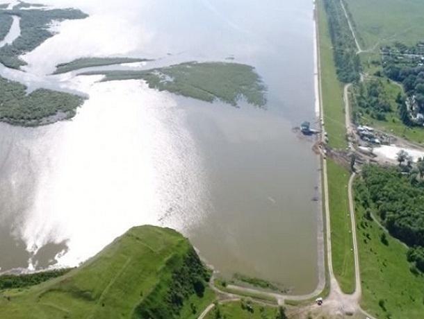 Склон на Отказненском водохранилище вот-вот рухнет, могут быть тысячи жертв, - знаменитый геолог из Ставрополя