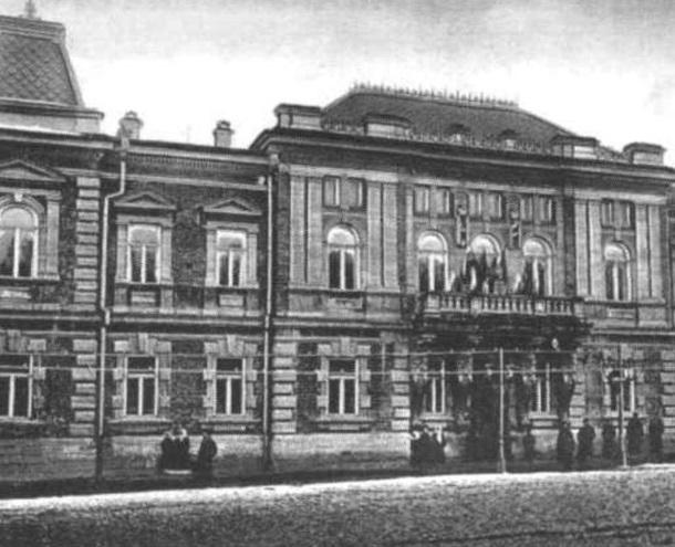 «Губернаторы, генерал-фельдмаршал немецкой армии и крайком партии»: история губернаторского дома в Ставрополе