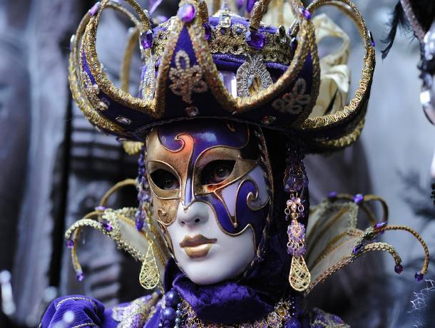 В Железноводске открылась выставка венецианских масок