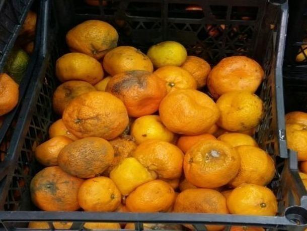 Гнилыми мандаринами хотели накормить покупателей в одном из сетевых магазинов Ставрополя