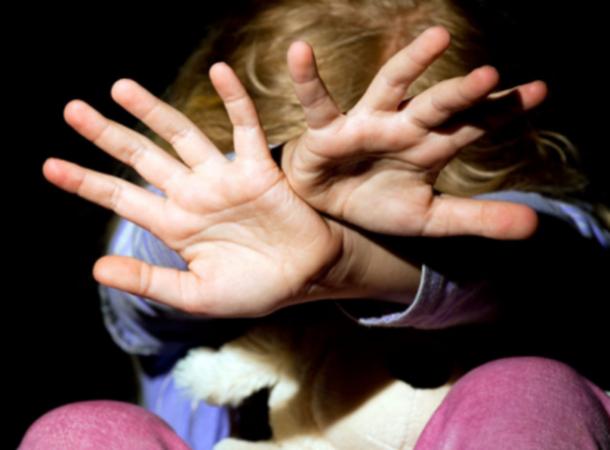 Ставропольца осудят заизнасилование 6-летней дочери и4-летнего сына
