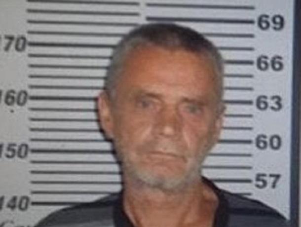 56-летний мужчина в клетчатой рубашке пропал на Ставрополье