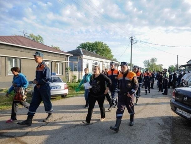 Эвакуированные граждане села Отказное наСтаврополье возвращаются вдома