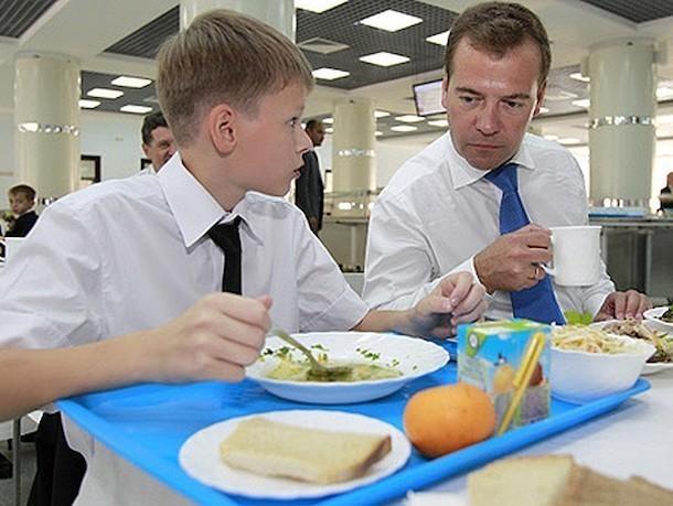 «К детям относятся, как к тле»: о жутких нарушениях в престижном Ставропольском президентском кадетском училище рассказали родители