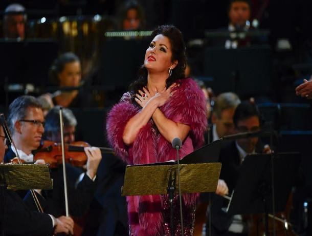 Анна Нетребко и другие звезды мировой оперы споют для ставропольчан на Александровской площади