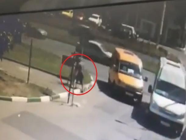 Ставропольский водитель маршрутки ударил женщину из-за трех рублей