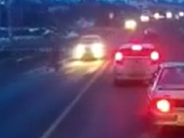 Лихач на «Гранте» сбил женщину на пешеходном переходе и скрылся в Ставропольском крае