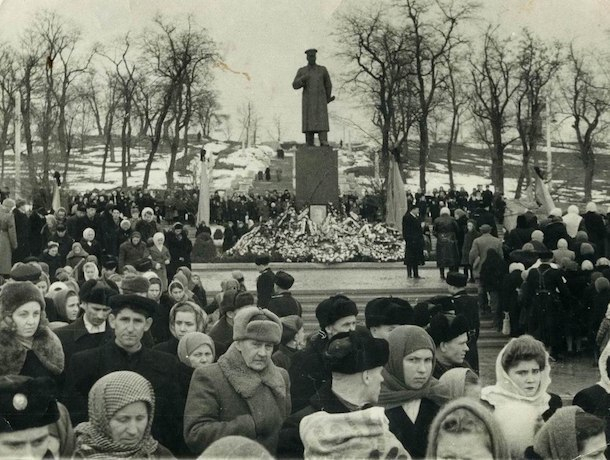 Думали, что Сталин беседует с Мао: памятники «отцу народов» исчезли холодной ставропольской ночью