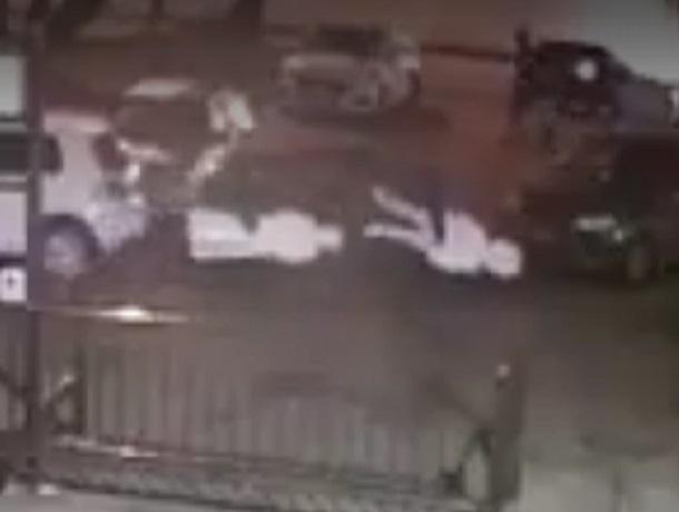 ВСтаврополе двое мужчин украли статуи измагазина