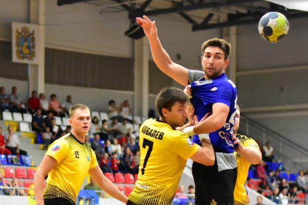 Ставропольский гандбольный клуб «Виктор» идет в сезоне без поражений