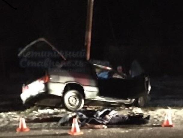 НаСтаврополье встолкновении 3-х машин погибли два человека