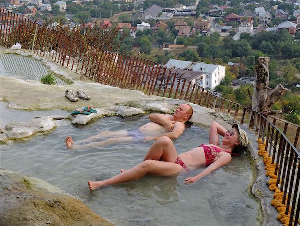 Превратить «бесстыжие ванны» в официальную зону отдыха предложил полпред в СКФО Белавенцев