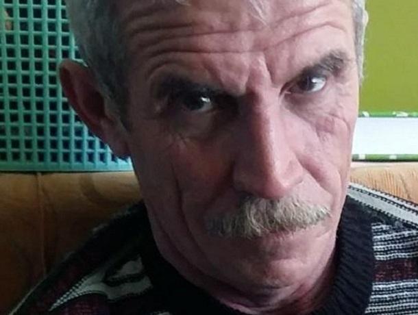 55-летний мужчина в спецодежде вышел из дома и пропал на Ставрополье