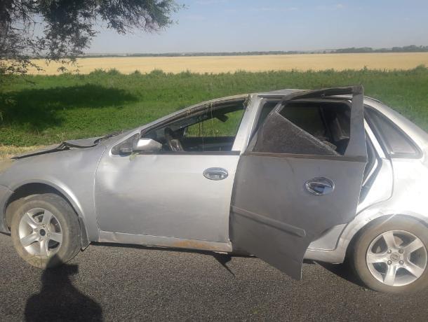Автомобиль с семьей из пяти человек перевернулся на Ставрополье