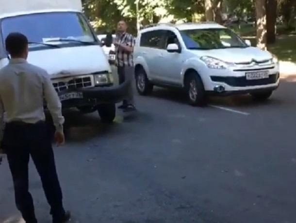 Пьяный водитель устроил ДТП с четырьмя авто в Ставрополе, - оцевидцы