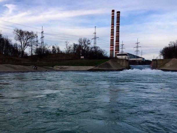 ВВоронежском водохранилище утонули рыболовы, водолазы исследуют дно
