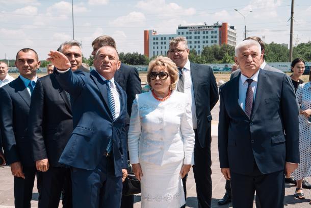 Спикер СФ Матвиенко посетила в Ставрополе площадь князя Владимира и ЖК «Российский»