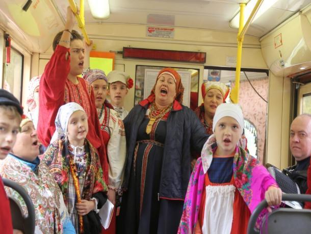 В честь дня рождения Лермонтова пятигорчане прочитают стихи в «Поэтическом трамвае»