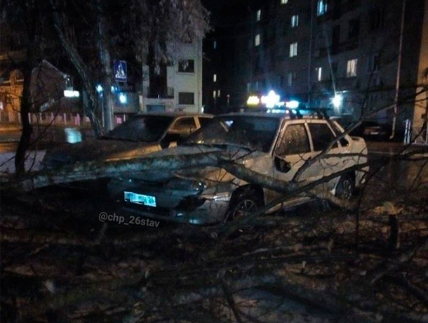 Все выходные коммунальные службы Ставрополя сражались с непогодой