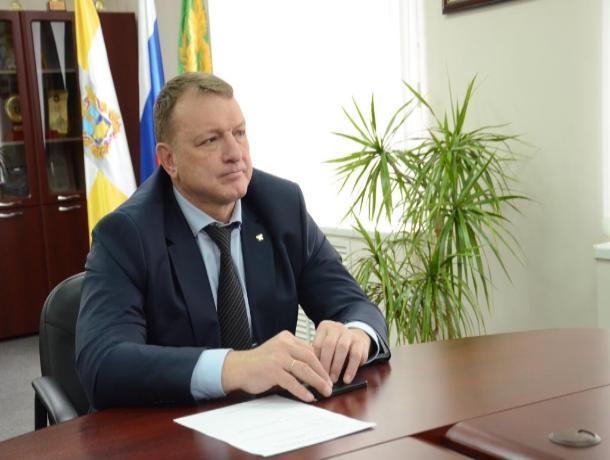Land Cruiser Prado и дом в 320 «квадратов» : чем владеет министр спорта Ставрополья