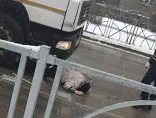 Переходившую в неположенном месте женщину сбил насмерть большегруз в Ставрополе