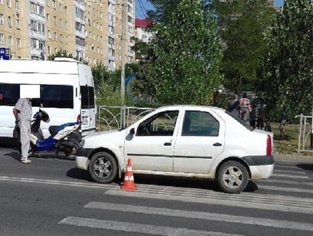 75-летний пенсионер на «Рено» сбил девушку на пешеходном переходе в Ставрополе