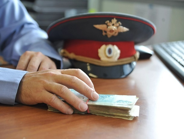 Сотрудник уголовного розыска МВД на транспорте в Минводах попался на взятке в полмиллиона рублей