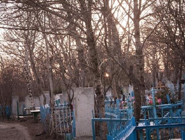 Ставропольцы не могут добраться до кладбища без автомобиля