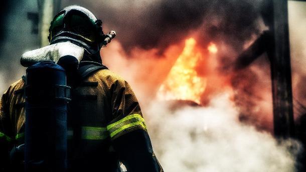 Экс-пожарный получил зарплату за отдых на курорте