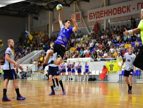 Ставропольские гандболисты уступили в первой игре «Кубка Лаврова»