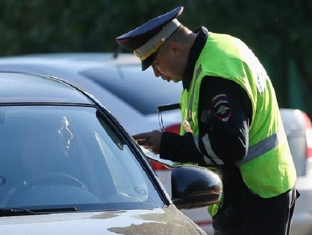 За протокол о нарушении ПДД молодой человек наехал автомобилем на инспекторов ДПС на Ставрополье