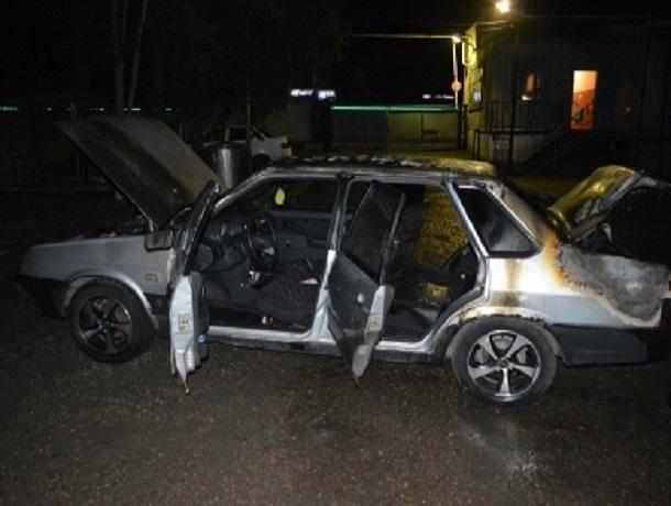 Злобного поджигателя автомобиля поймали полицейские на Ставрополье