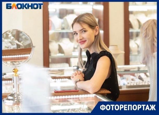«Лучшие друзья девушек – это бриллианты», - состоялся полуфинал конкурса «Мисс Блокнот»