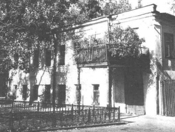 «Заезжий дом,  музыканты и общежитие»: история дома Флоринке в Ставрополе